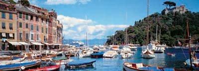 Rybářské lodě v Cefalu, Itálie
