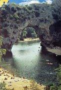 Skalní most Pont d´arc, Francie